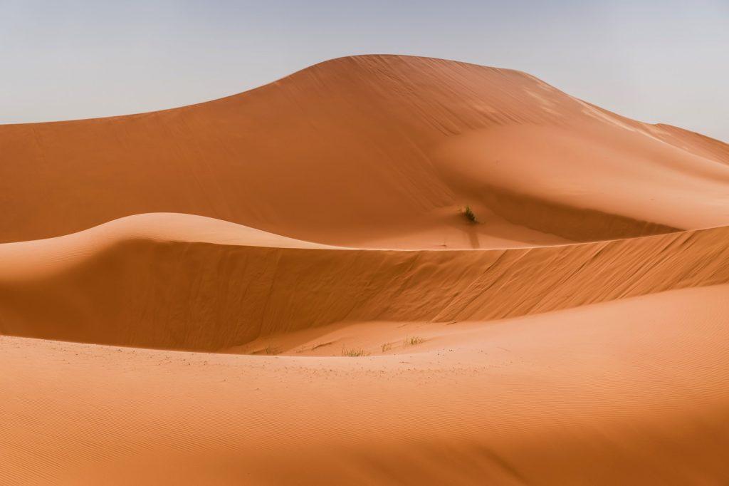 Dunes dans le désert du Maroc