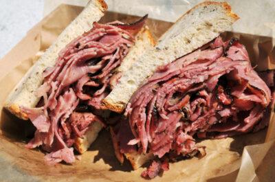Sandwich pastrami à New York