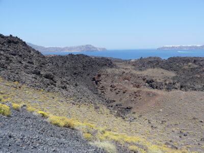 Sur le volcan Néa Kaméni à Santorin