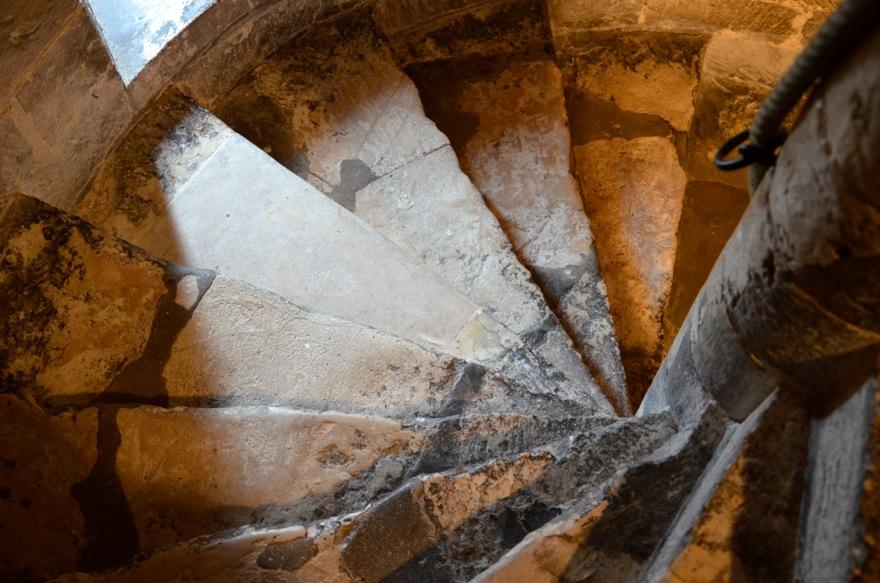 escaliers tour jeanne d'arc rouen