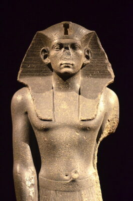 statue égyptienne neues museum berlin