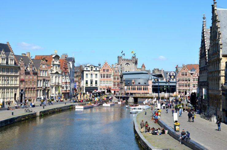 Canal à Gand en Belgique