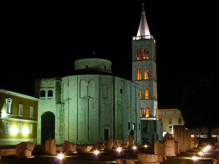 Eglise à Zadar, la nuit