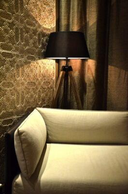 Canapé à l'hôtel Sahrai à Fès