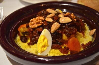 Couscous tfaya au restaurant Amaraz de l'hôtel Sahrai