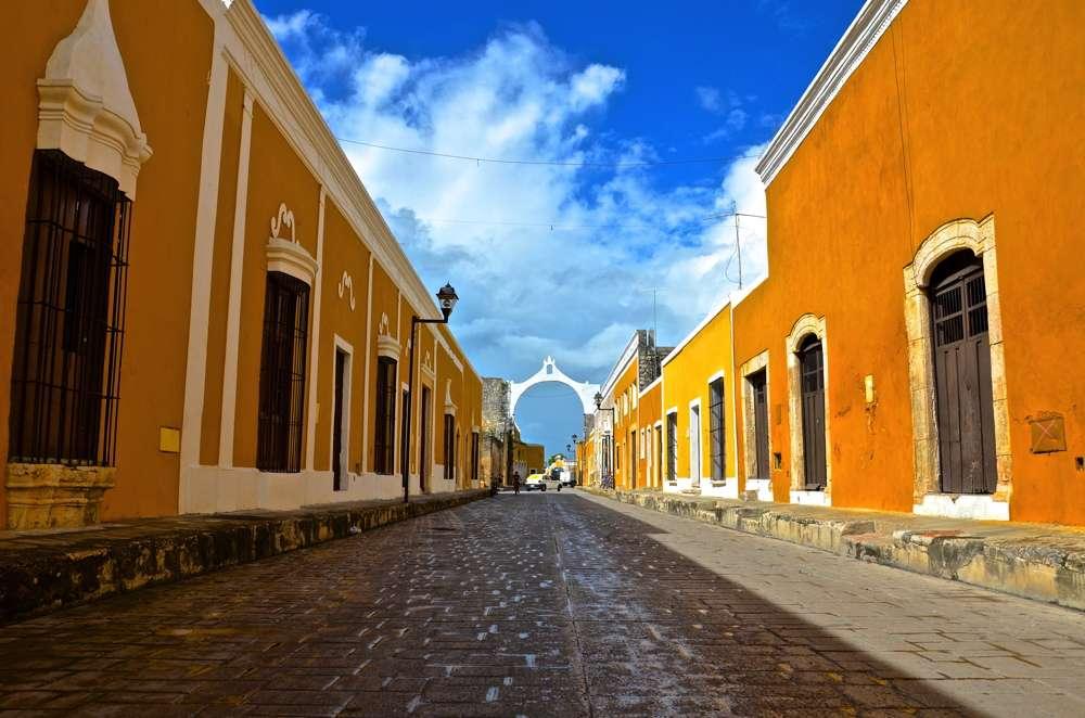 Ruelle d'Izamal au Mexique