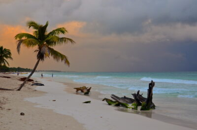 Sunset sur la plage de Tulum