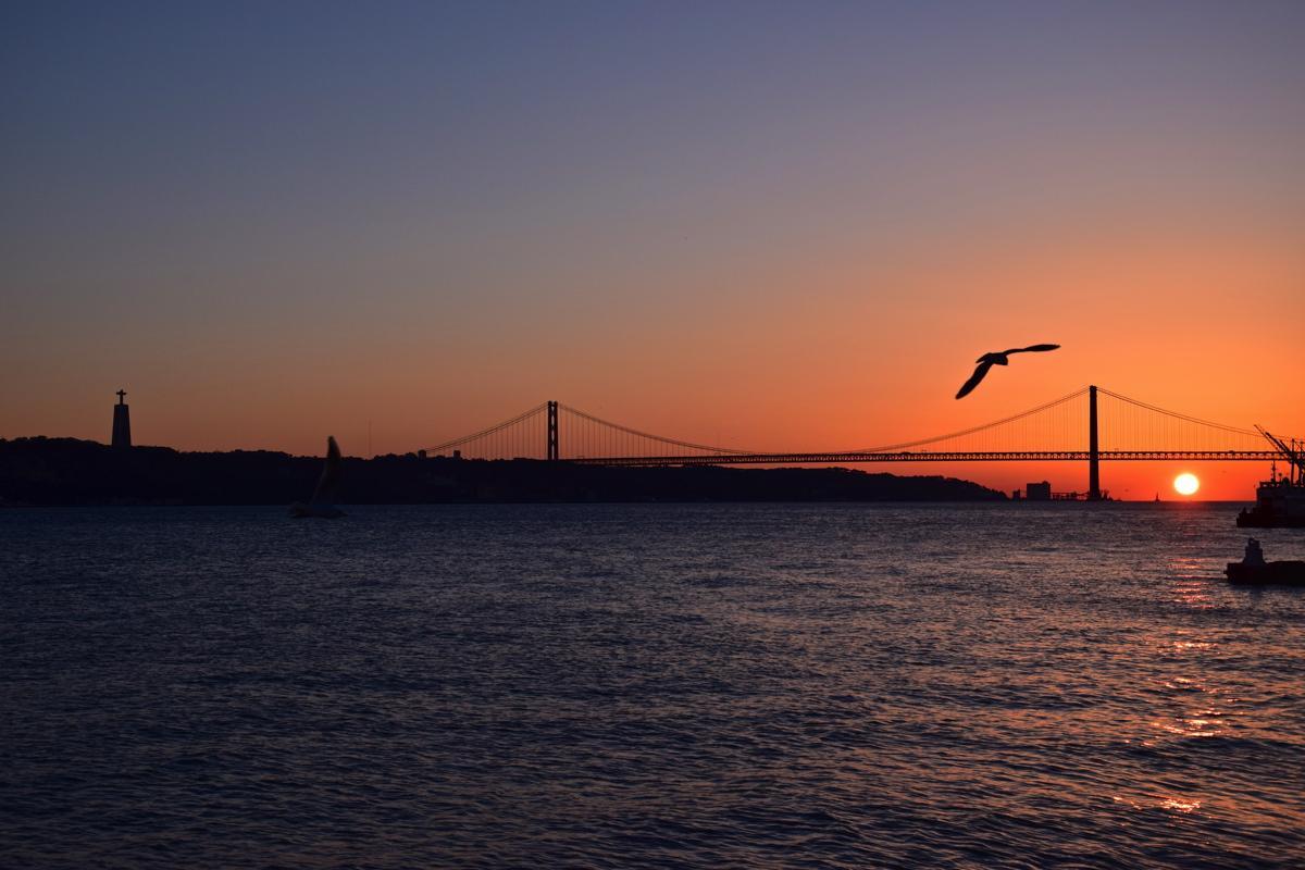 Sunset sur le Tage à Lisbonne