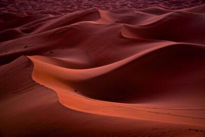 Jeu de couleurs dans les dunes de Merzouga