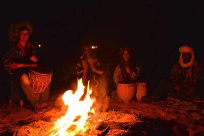 Musique sur le bivouac à Merzouga