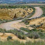 Route dans le désert des Bardenas