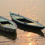 Barques sur le Gange