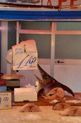 Espadon frais sur un marché de Palerme