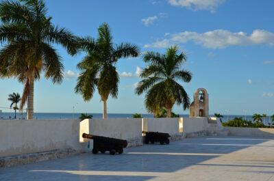 Canon sur un fort de Campeche