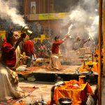 Ganga aarti, cérémonie sur les rives du Gange à Varanasi