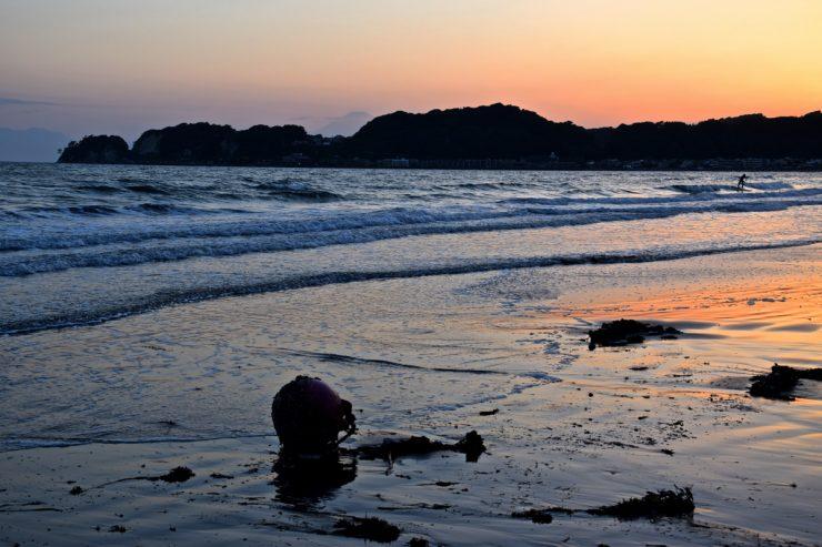 Coucher de soleil sur la plage de Kamakura