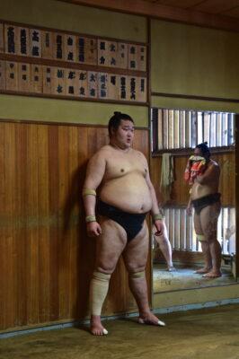 Sumotori, appelé rikishi au Japon