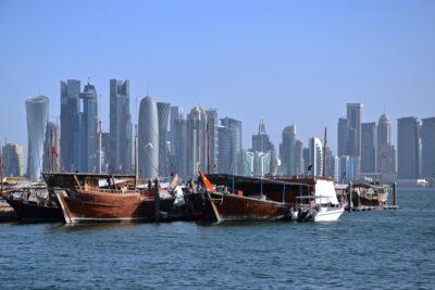 Bateaux et skyline à Doha