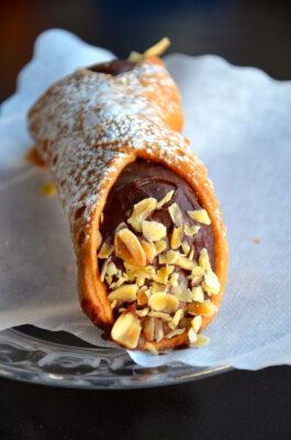 Cannolo au chocolat en Sicile