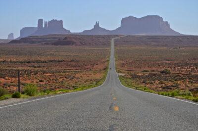 Route US163 menant à Monument Valley