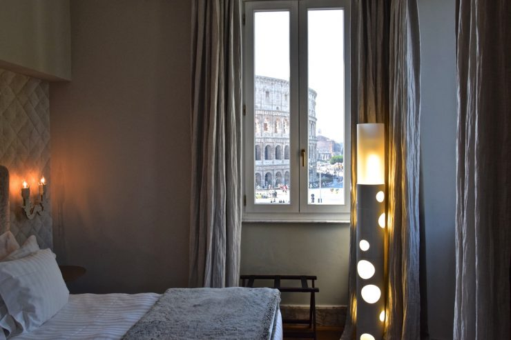 Palazzo Manfredi: room with Colosseum view