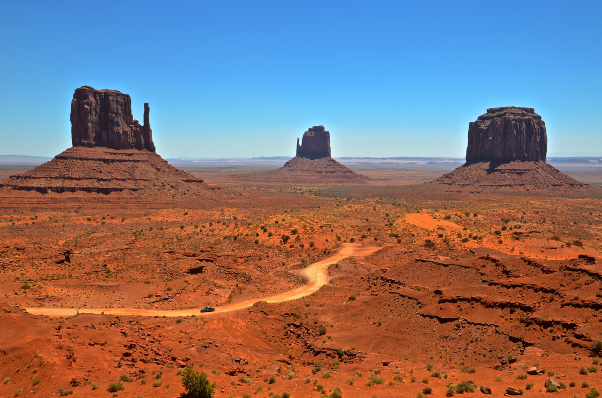 monument valley dating site Today over 100 sites and ruins have been found dating from these ancient people, including rock art  monument valley hot air balloon  a monument and visitor .