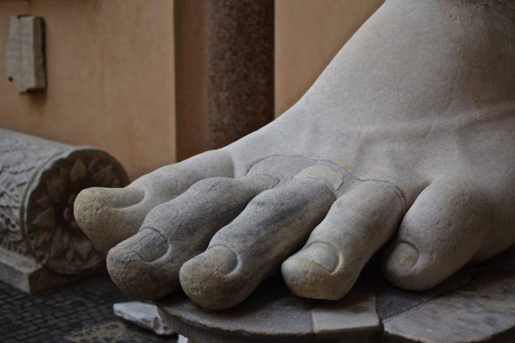 Pied du colosse de Constantin à Rome