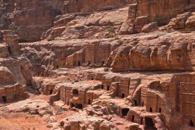 Habitations troglodytes à Pétra