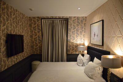 Chambre à l'hôtel la Parizienne