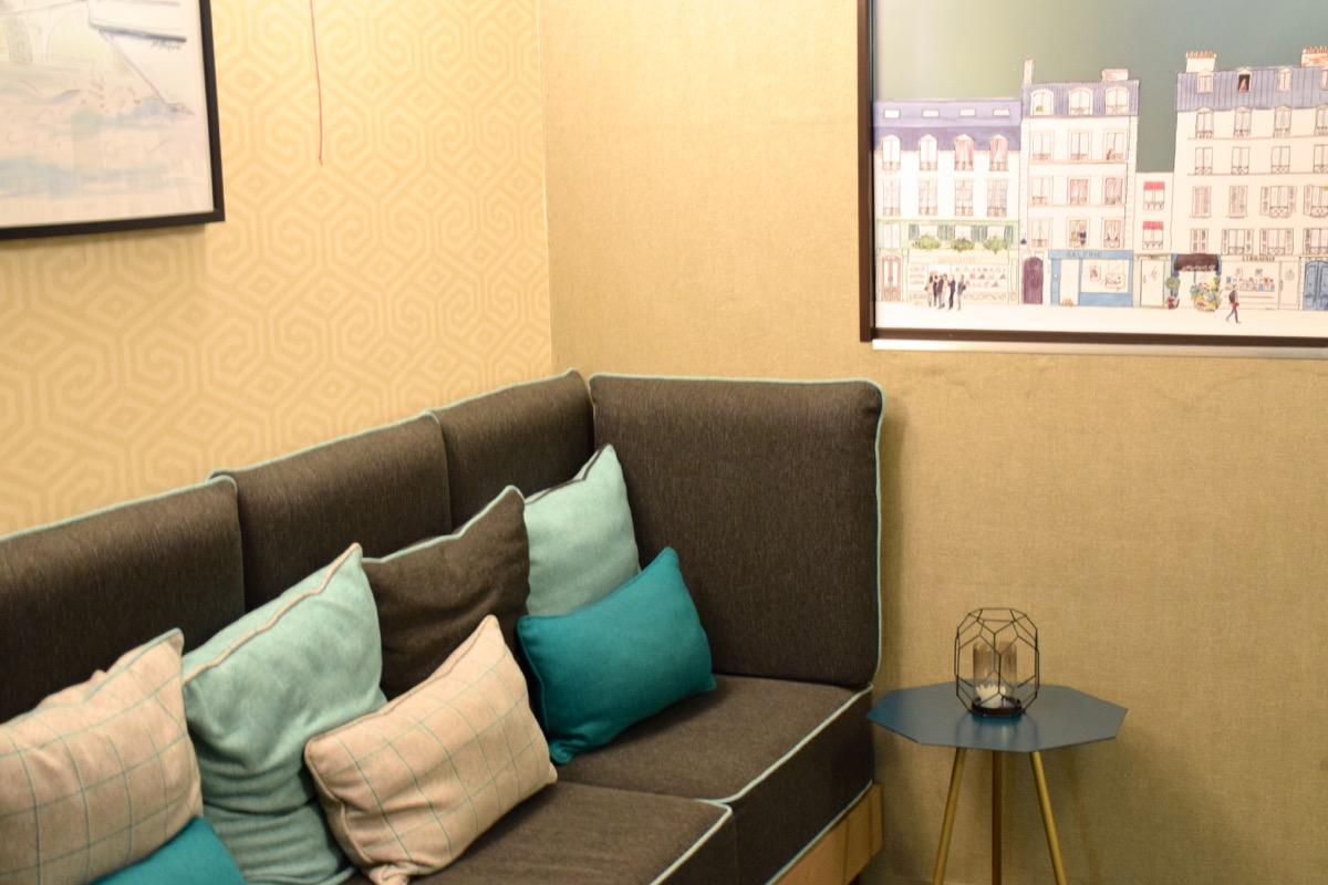 Lobby de l'hôtel la Parizienne