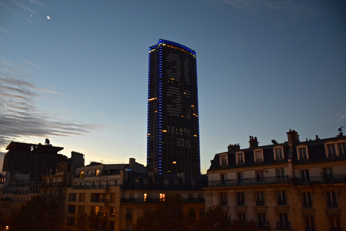 Tour Montparnasse depuis l'hôtel la Parizienne