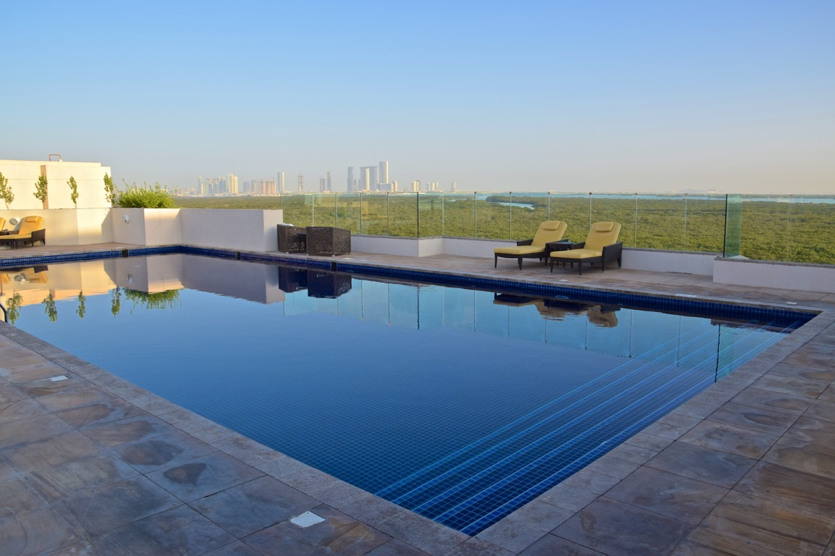 Piscine à l'Eastern Mangroves Suite d'Abou Dhabi