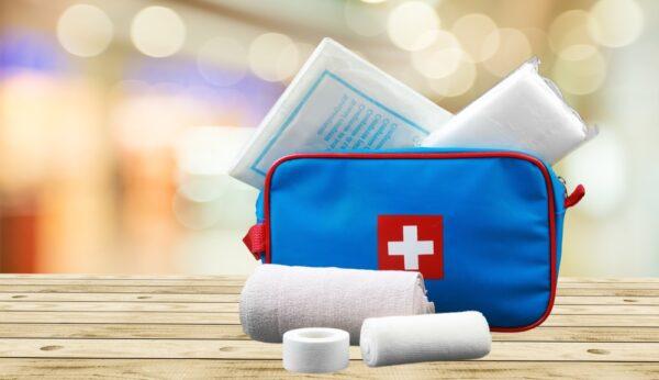 Trousse à pharmacie de voyage: les indispensables!
