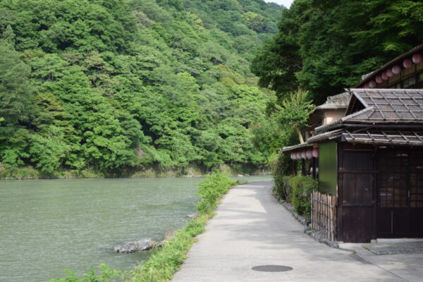 Balade en bord de rivière à Arashiyama