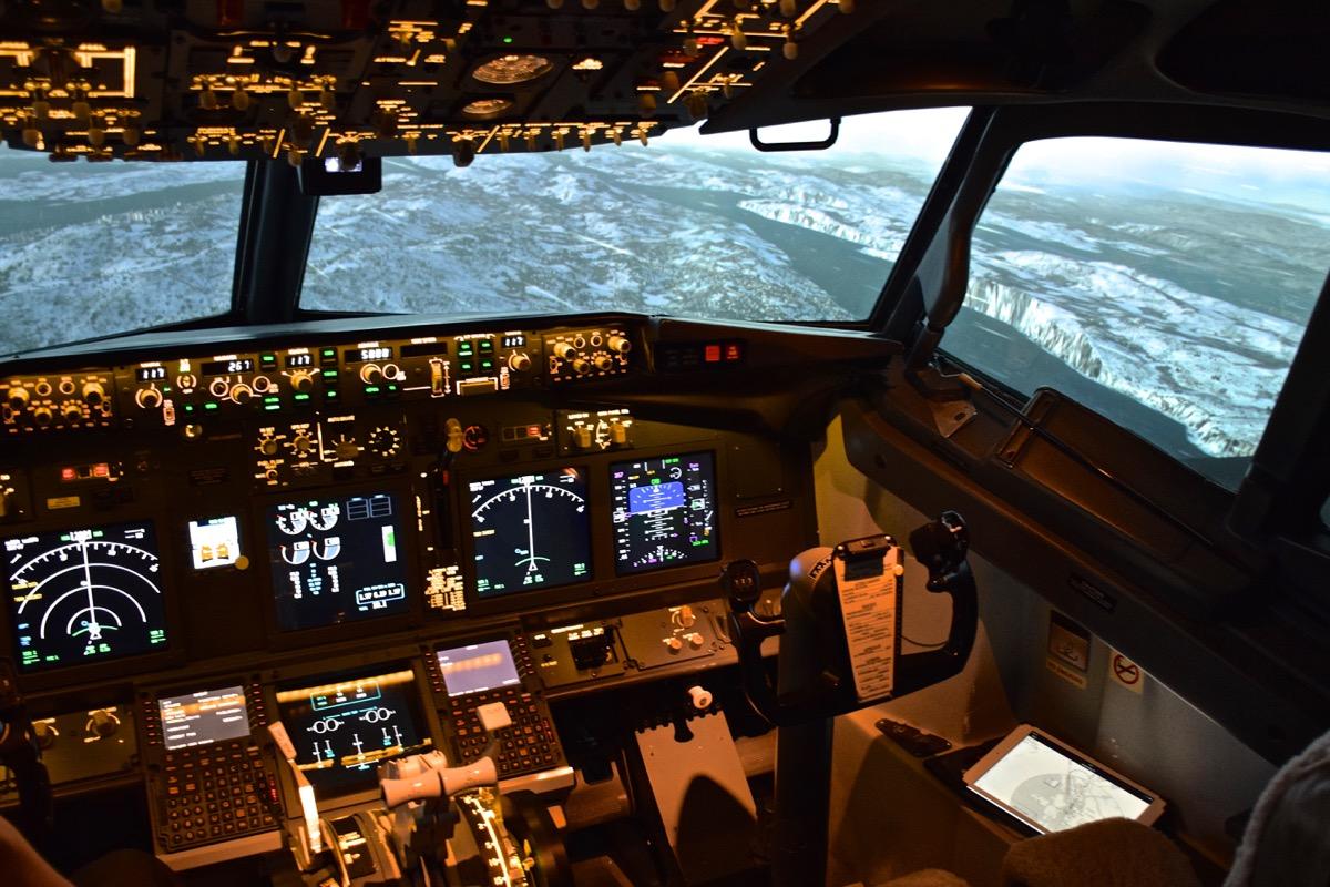 simulateur de vol boeing 737 j 39 ai test voyage way. Black Bedroom Furniture Sets. Home Design Ideas