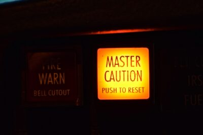 Master caution - Boeing 737