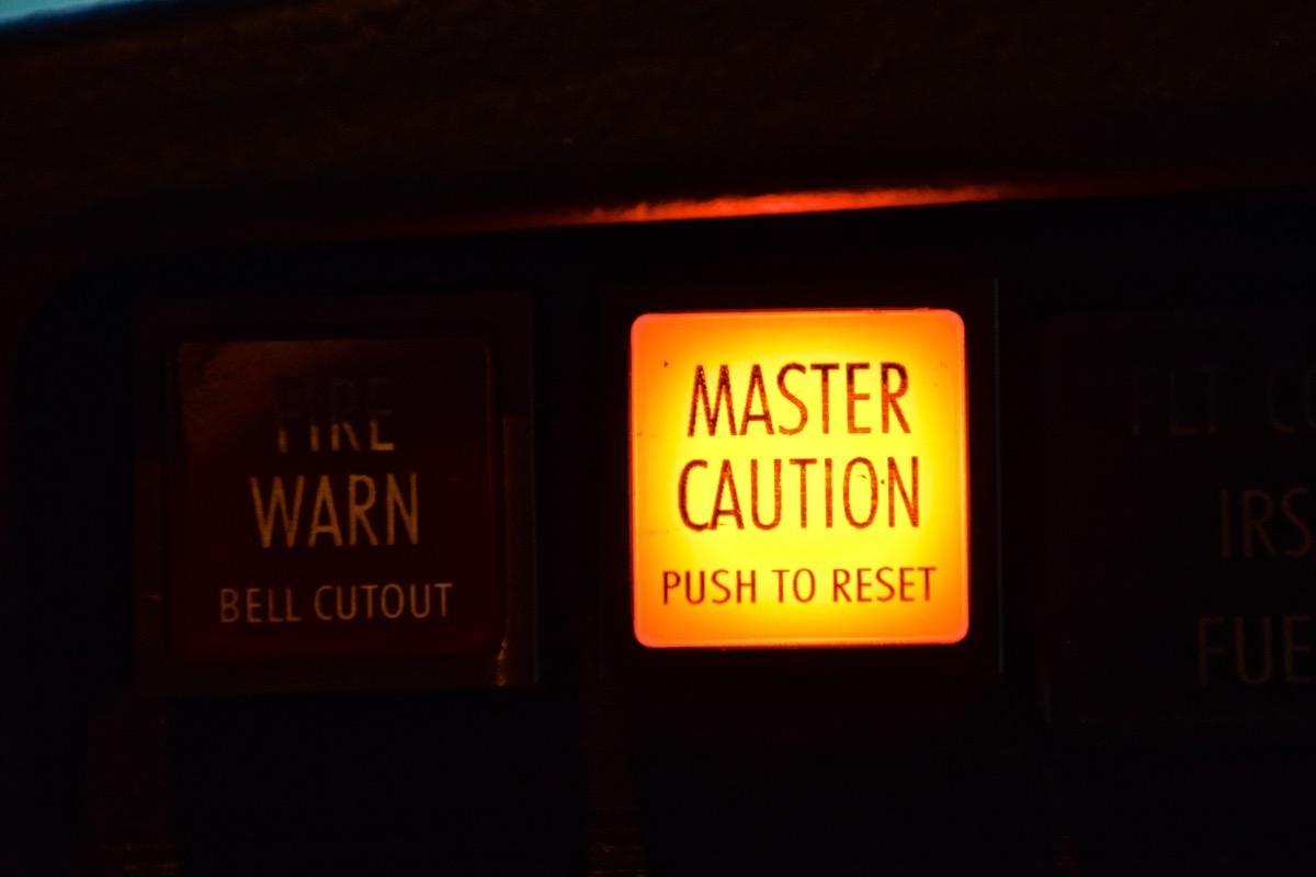 Master caution - Boeing 737