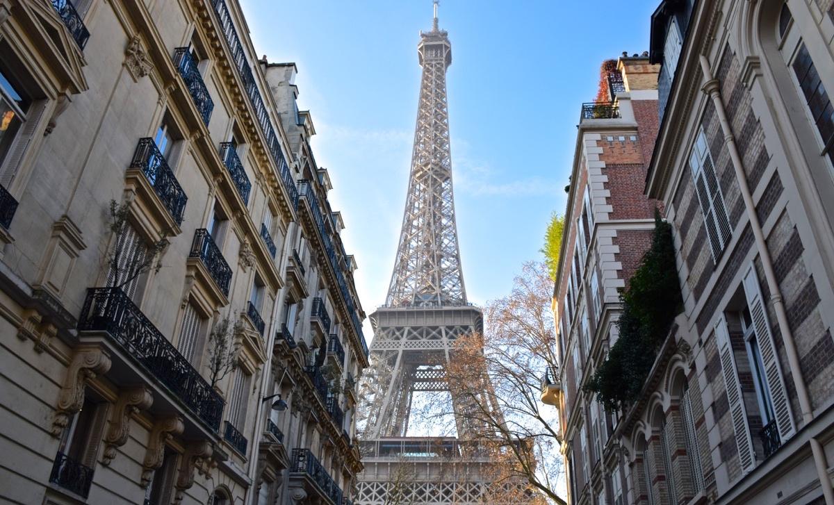 La Tour Eiffel Symbole De Paris Voyage Way