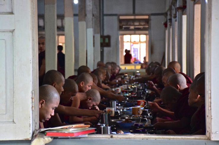 Réfectoire du monastère Mahagandayon
