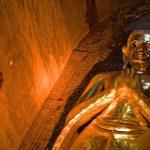 Statue de Bouddha dans la pagode Ananda à Bagan