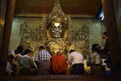 Temple Mahamuni - Mandalay