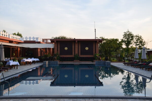 Piscine du Bagan Lodge