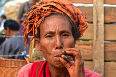 Portrait d'une femme Pa-O en Birmanie