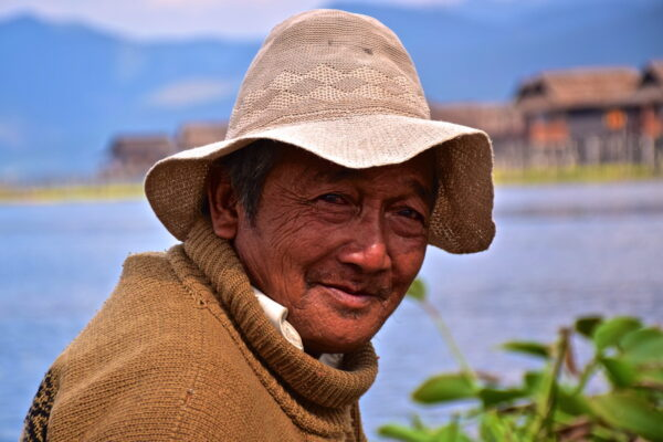 portrait-pecheur-lac-inle-birmanie