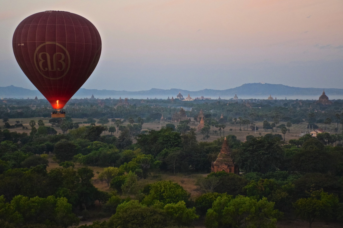 Survol de Bagan