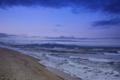 Lever de soleil sur la plage du Nam Hai Hotel