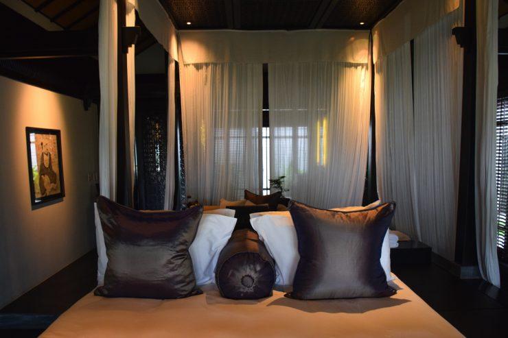 Lit dans la chambre du Nam Hai Hotel