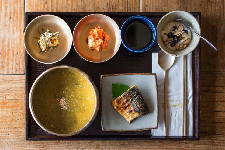 Petit déjeuner traditionnel en Corée du Sud