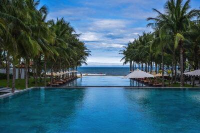 Piscine du Nam Hai Hotel