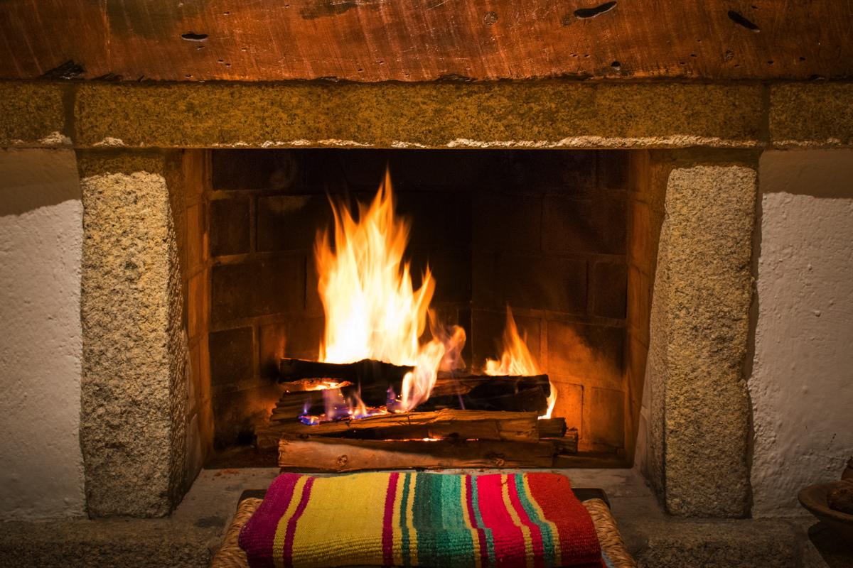 Feu de bois à l'hôtel Inkaterra Machu Picchu
